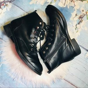 Big Buddha black boots Sz9.